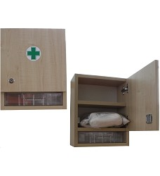 Nástěná lékárna ZM30 dřevěná pro 30 osob